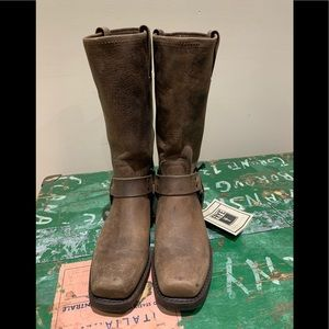 🇺🇸 new in box FRYE 12R Harness boots - size 7.5